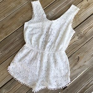 Xhilaration lace romper excellent condition